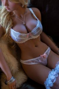 Blonde Debra